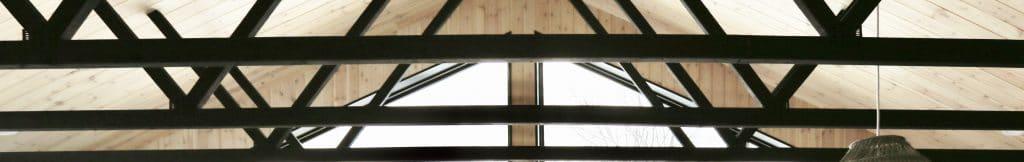 LIFE AU LAIT Stay Market Roof, modern rafters, sky window